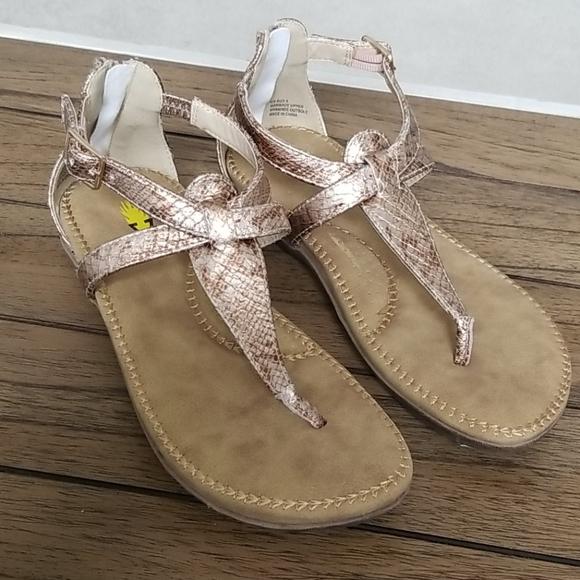 New Volatile Sandals